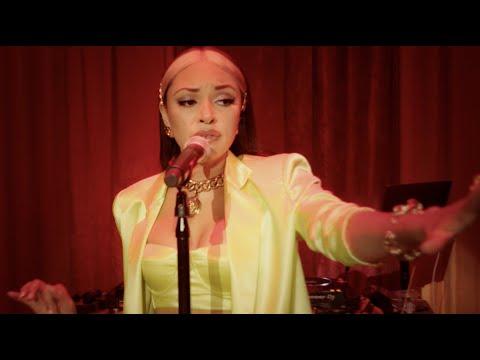 Raiche - She's On Deck (Live Performance)