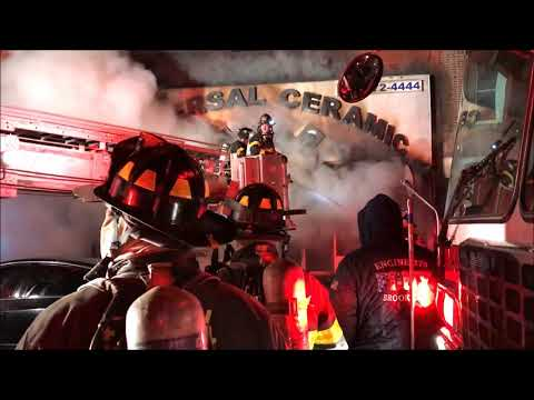 FDNY BOX 3489 - FDNY BATTLING A 3RD ALARM FIRE ON BATH AVENU