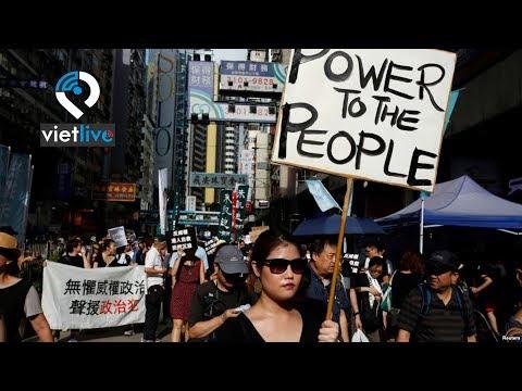 Hàng ngàn người biểu tình đòi dân chủ ở Hong Kong