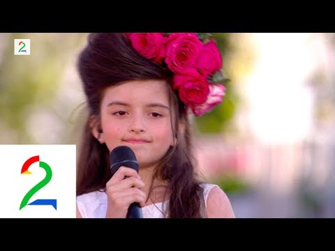 Wow! Angelina Jordan (8):