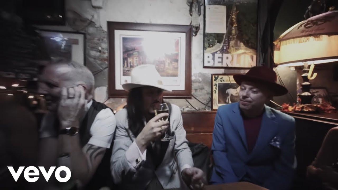 Video: The Mavericks - Pardon Me