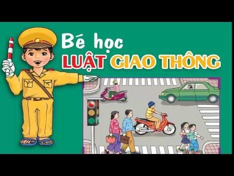 Bé học Luật giao thông