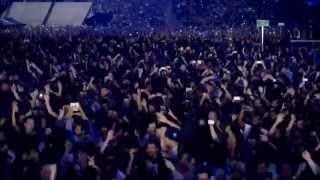 Gambar cover JAY Z - Niggas In Paris (Live - OTR Tour)