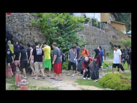 Teambonding in Taman Negara - NOL Global Finance Center