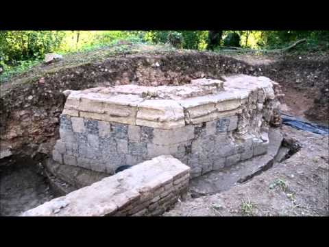 Sondage archéologique sur le site du château dEaucourt-sur-Somme (France) - Août 2015