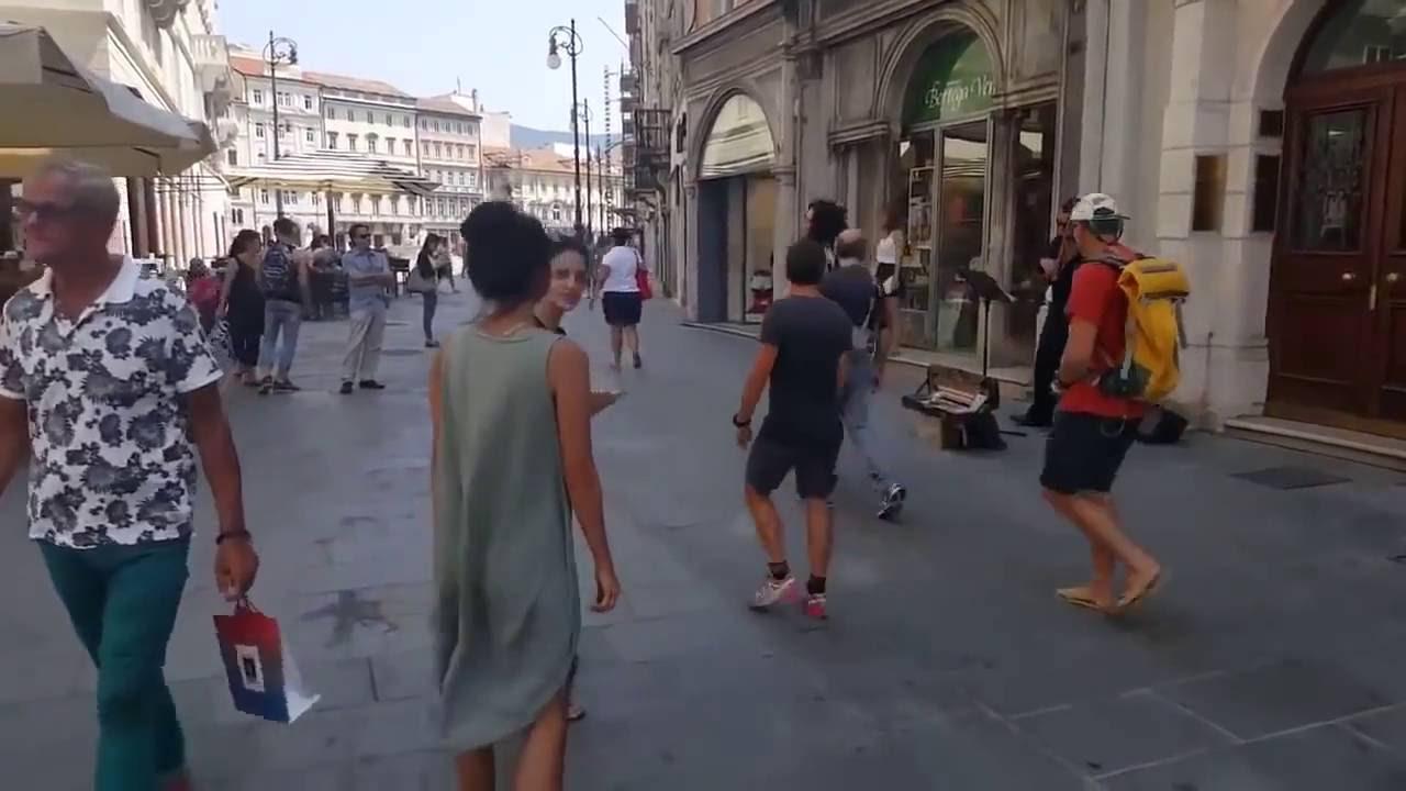Sokakta Dans Eden Filistinli Kız (dünyayı 1 dakikalığına güzelleştiren dans)