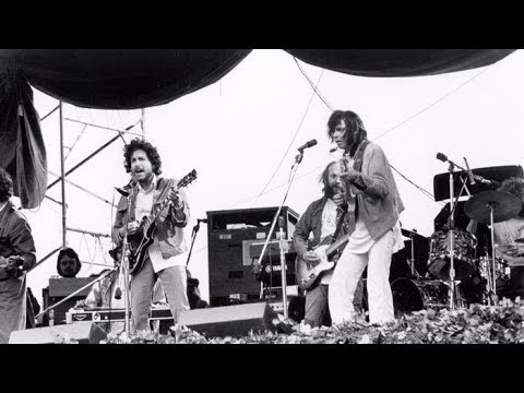 Neil Young & Bob Dylan- Helpless, and Knockin' On Heaven's Door (1975)