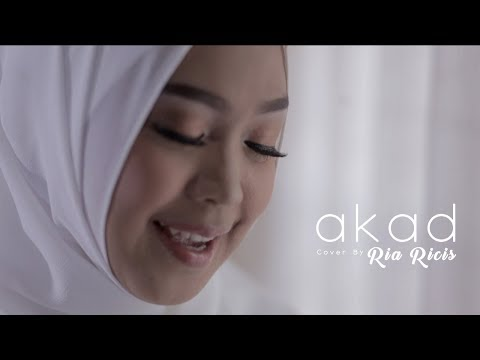 AKAD - PAYUNG TEDUH (COVER) BY RIA RICIS