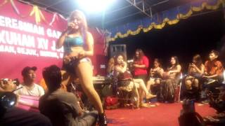 "Download Video Goyang HOT Rita Ratu Tawon ""kanggo Riko"" MP3 3GP MP4"