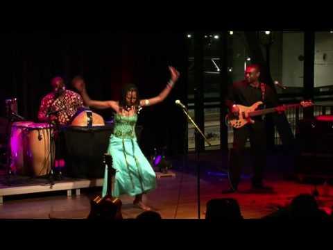 Fatoumata Diawara - Kelé (live at Amsterdam World)