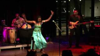 Fatoumata Diawara - Kelé (live at Amsterdam World)