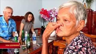 Cuộc đoàn tụ đầy nước mắt của một người con lai (VOA)