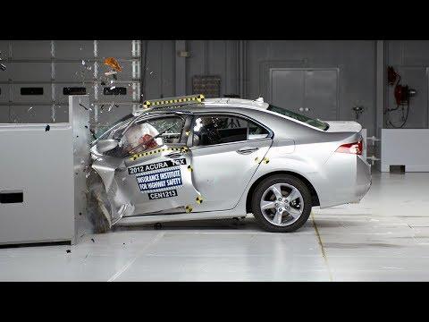 2012 Acura TSX driver-side small overlap IIHS crash test