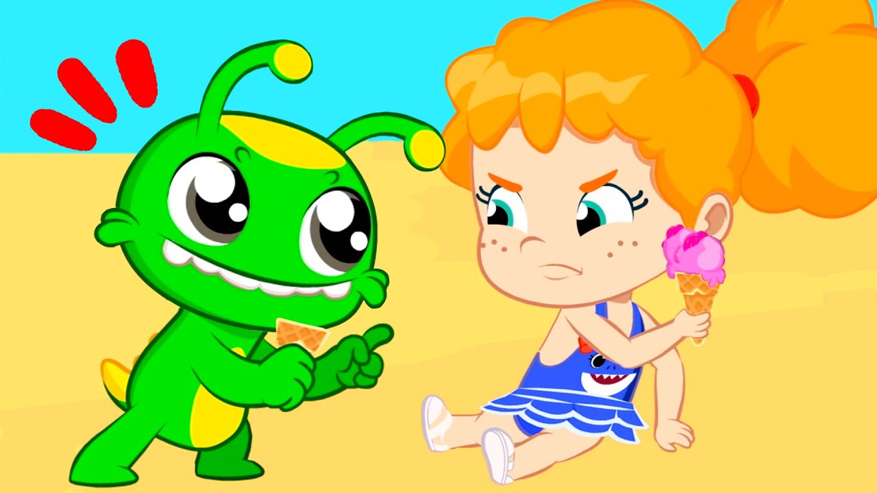 Groovy the Martian | Phoebe shares her healthy fruit ice cream with Groovy at the beach
