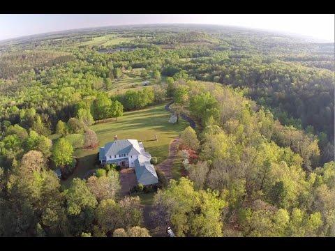 Family Farm Home With Breathtaking Views In Woodbury, Georgia