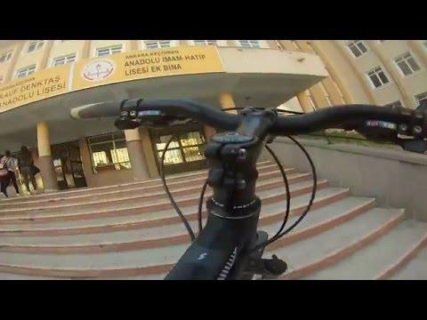 Sabahın köründe  Okula bisikletle gidiş