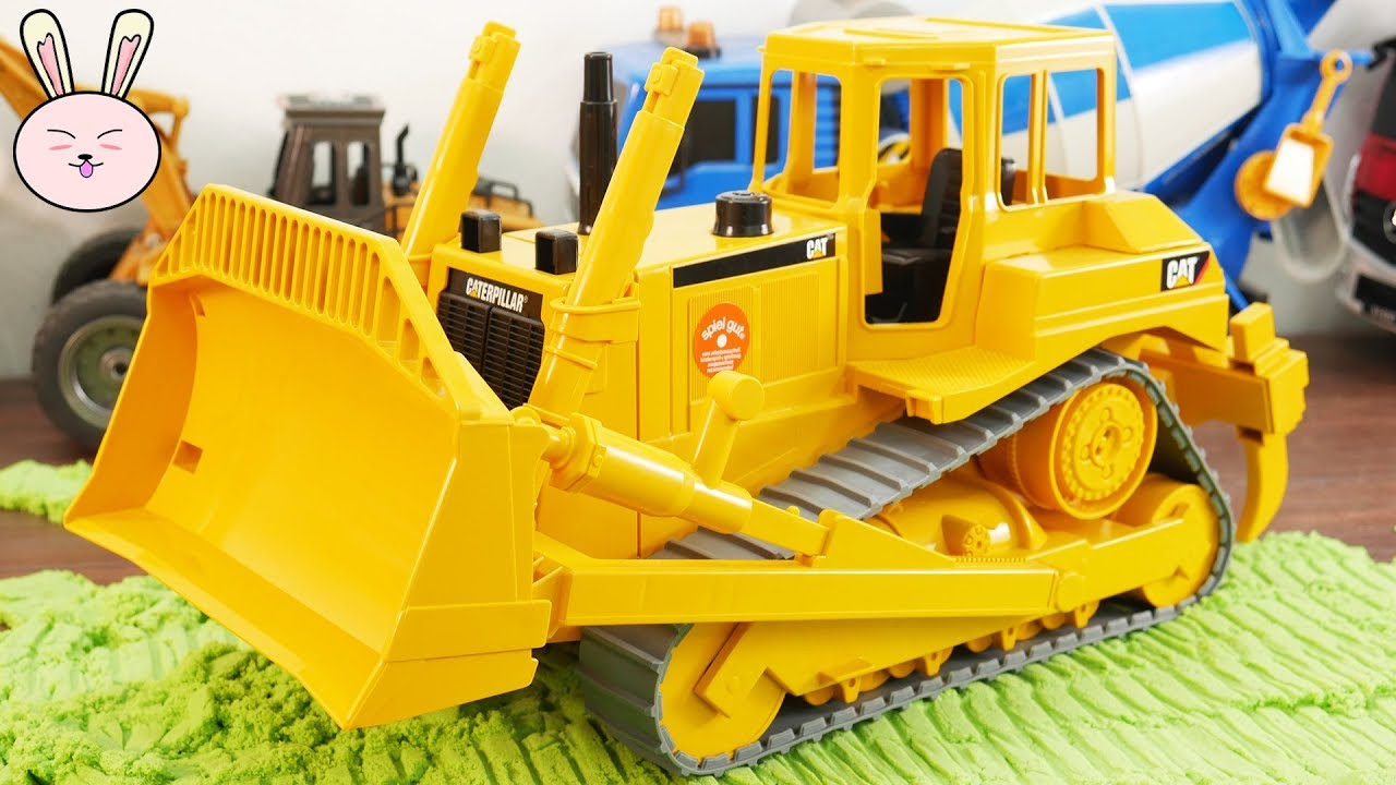 Cat Construction Toys For Toddlers : Bruder caterpillar bulldozer construction vehicles toys