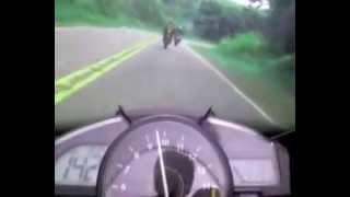 Graba la muerte de su compañero con la moto Yamaha YZF-R1