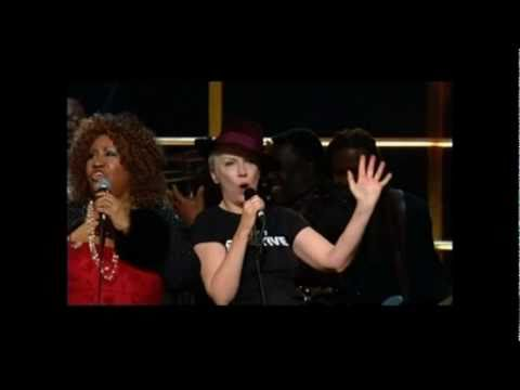 Annie lennox and aretha franklin chain of fools live 2010