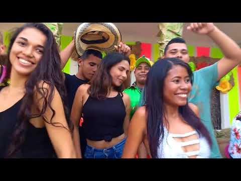 LA CHICA GUCCI VÍDEO COMEDIA