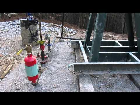 Big Oil Well Flowing Naturally in Kentucky's Backyard