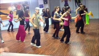 Zumba tunisie (galb galb wine wine Zumba version).wmv