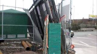Обзор конструкций откатных ворот(http://tyyt.ru Обзор конструкций откатных ворот, сдвижных, подвесных, консольных, откатных по рельсу Видео предос..., 2011-07-28T13:23:39.000Z)