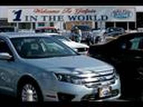 Dealers Beg for Cars as Automaker Discipline Curbs Sales: Video