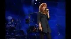 Bonnie Raitt & Bruce Hornsby - I Can't Make You Love Me