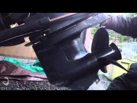 Mercruiser alpha 1 out drive water pump vid 7