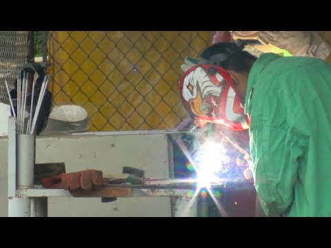 ECHOLS MIDDLE SCHOOL LEARNS ABOUT WELDING