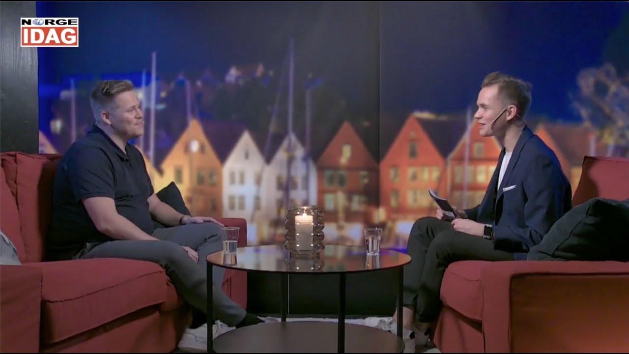 Vetle Jarandsen i sofaen: Her får du både herlig lovsang og en god lovsangsprat