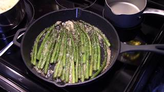 Pan Seared Garlic aฑd Parmesan Asparagus