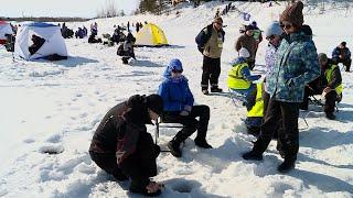 Соревнования по зимней рыбалке собрали более 30 команд