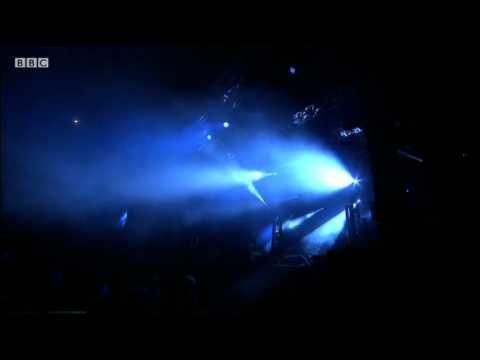 Crystal Castles Perform 'Celestica' At Reading Festival 2011 - BBC