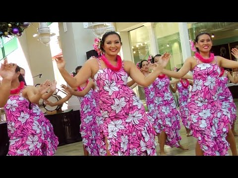 Traditional Hawaiian Hula Dance at Aloha Tower - LookIntoHawaii.com
