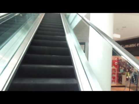 Menlo Park Mall Edison, New Jersey (Otis Escalators)