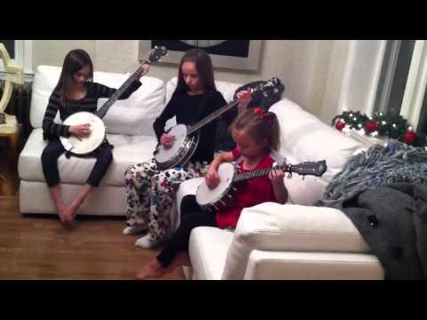 The Banjo Girls play Cripple Creek