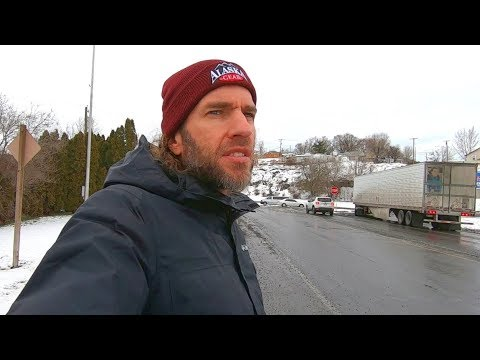 Hitchhiking Across Oregon in Winter (Crazy Experience)