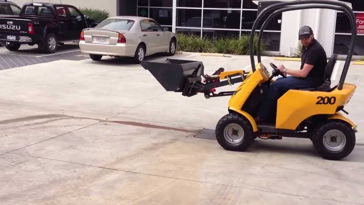 Hysoon HY200 Articulated Mini Loader With High Lift Bucket