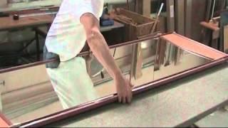 Испытание зеркальной двери для шкафа-купе(Мы ответственно подходим к качеству нашей мебели, и поэтому все комплектующие имеют сертификаты качества...., 2015-03-30T06:38:29.000Z)