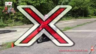Abbremsen mit höchstmöglicher Verzögerung - Motorradführerschein Grundfahraufgabe