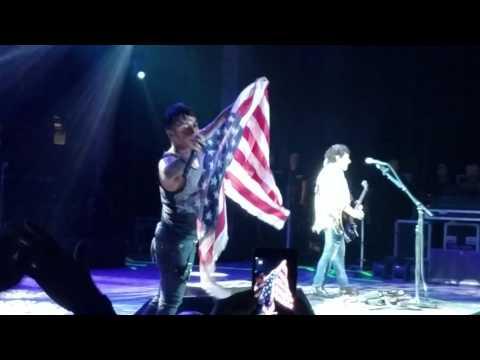 Journey Live in Concert 7-8-2017  Don't Stop Believin