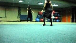 Очень простой восточный танец для начинающих беременная танцует