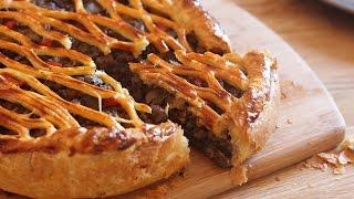 Tourte feuilletée à la viande & aux champignons / فطيرة اللحم والفطر