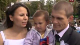 В Луганске, несмотря ни на что, отметили День города(, 2014-09-15T11:23:48.000Z)