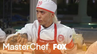 Video Dino Puts The Red Team At Risk By Not Knowing The Dish | Season 8 Ep. 11 | MASTERCHEF download MP3, 3GP, MP4, WEBM, AVI, FLV Agustus 2017