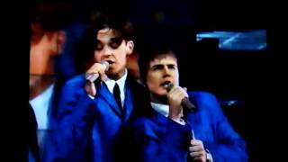 Take That - Beatles Medley ; I Want To Hold Your Hand, Hand Day's N...