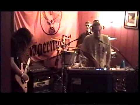 "Fast Eddie - Live 2004 ""Unknown Song"""