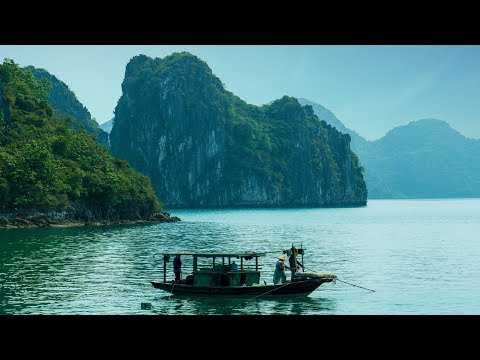 Traditional Vietnamese Music - Ha Long Bay
